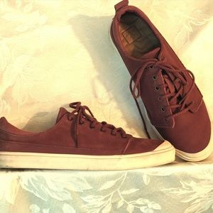 Reef Leather Low Tops